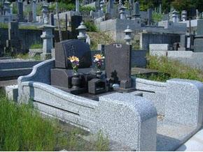 栃木県 佐野市 洋型墓石 落ち着きのあるお墓に完成しました。